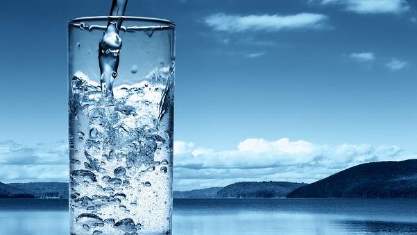 skolko-vody-nuzhno-vypivat-za-den-qwesa.ru-00